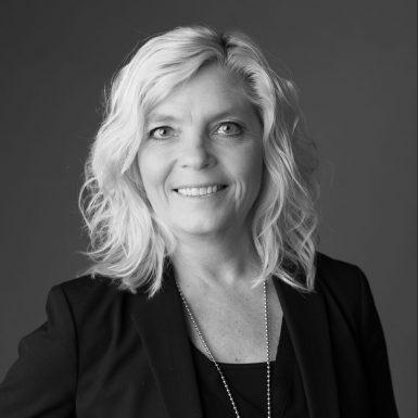 Porträttbild av EvaLotta Petersson, grundare och ägare av Varberg Convention Service.